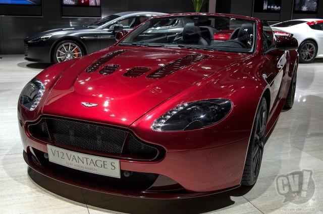 アストンマーティン V12ヴァンテージS ロードスター