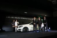 メルセデス・ベンツ A45 AMG 4MATIC ペトロナス・グリーンエディション