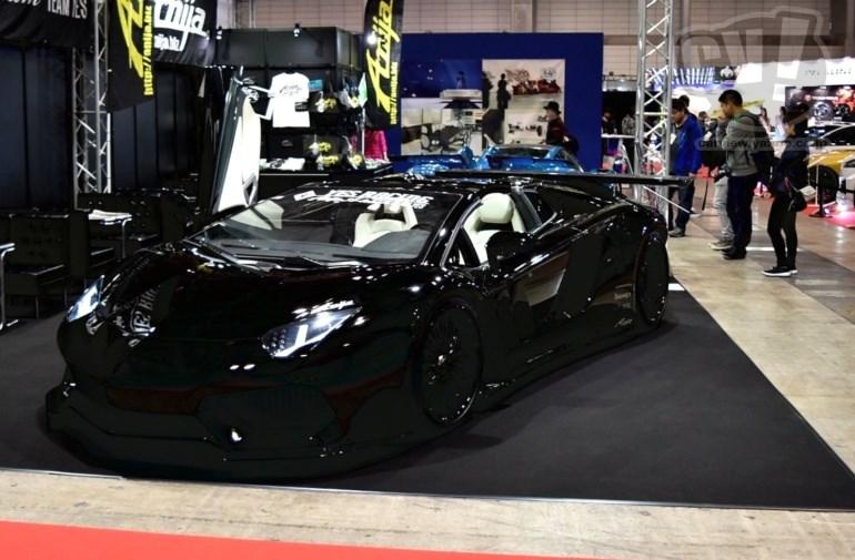 Anija Aventador Roadstar 擬似3D
