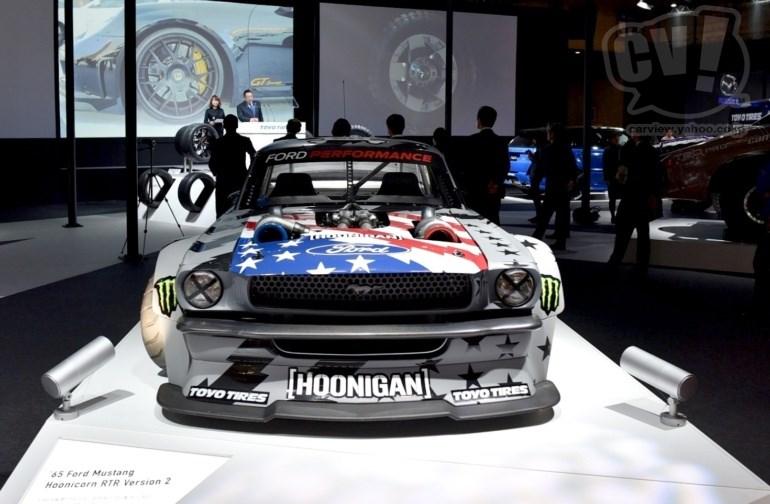 TOYO TIRES フォード マスタング 擬似3D