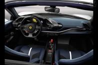 フェラーリ 488 ピスタ スパイダー