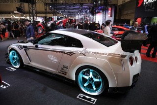 横浜ゴム NISSAN GT-R tuned by Kansai service