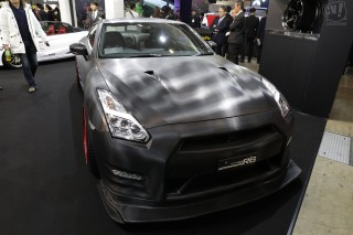 横浜ゴム NISSAN GT-R tuned by HKS