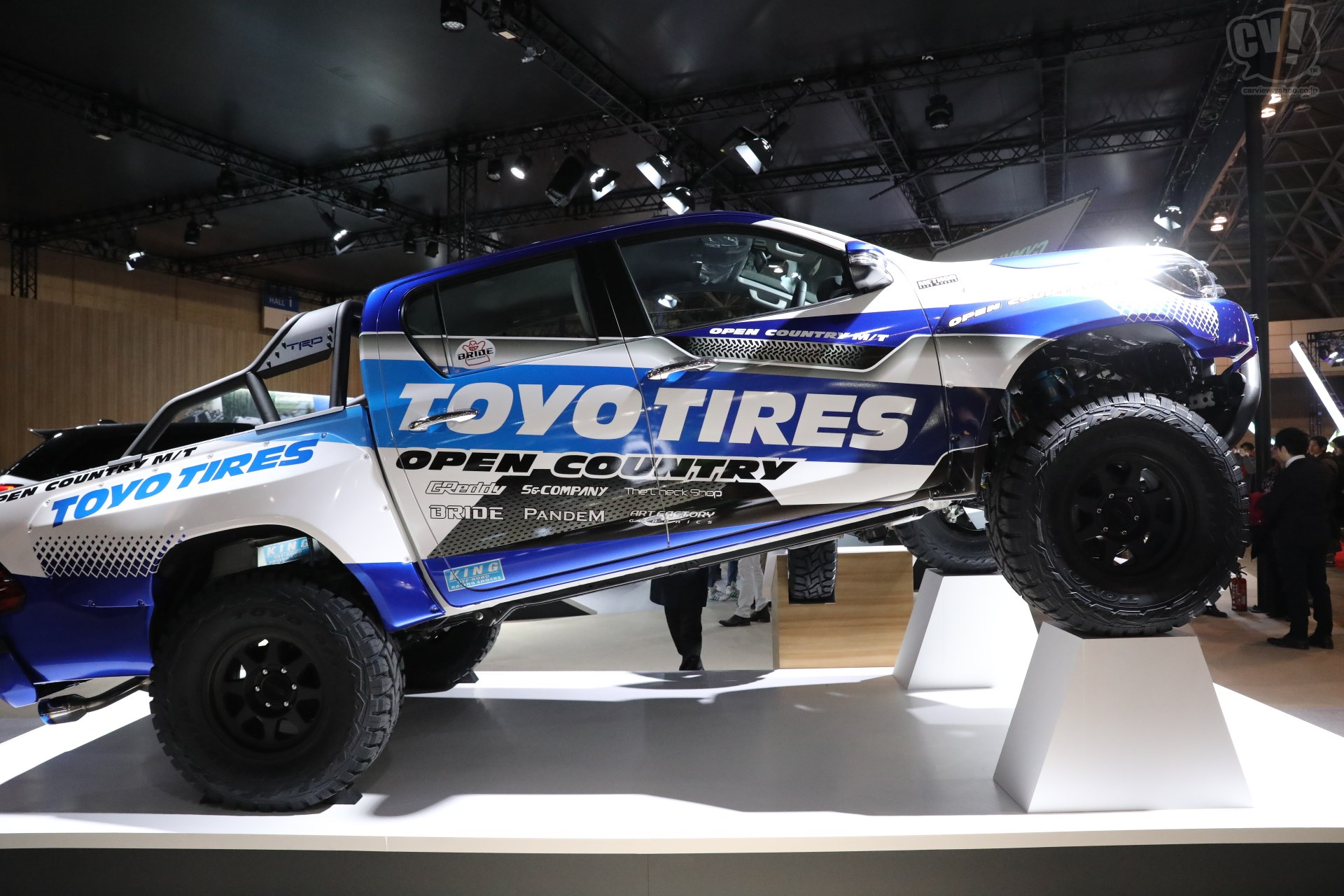 TOYO TIRES TOYOTA HILUX