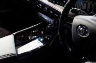 トヨタの水素燃料電池車「ミライ」の次期型はデザインも性能もぜんぜん違う高級車になる