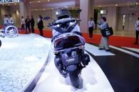 リーンするフロント2輪のコミューター、ヤマハ トリシティの300㏄版がサプライズ発表