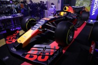 Honda アストンマーティン レッドブルレーシング RB14